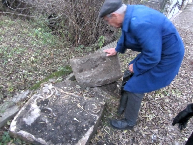 Fragments of Jewish headstones found in Rohatyn