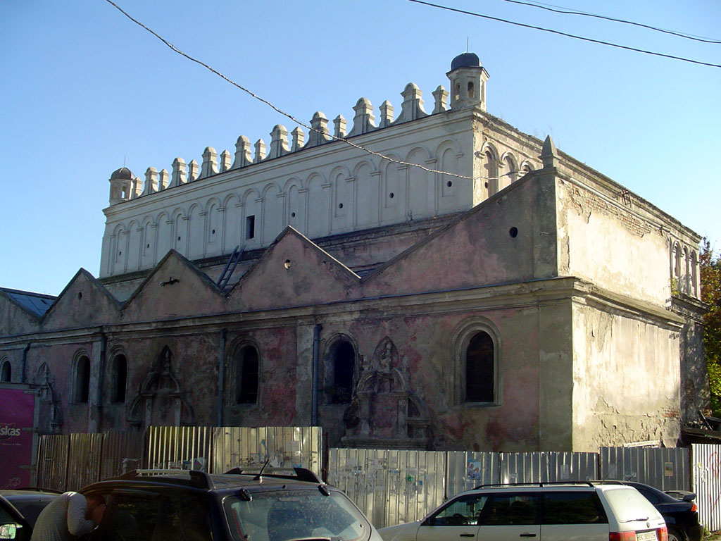 Zhovkva synagogue