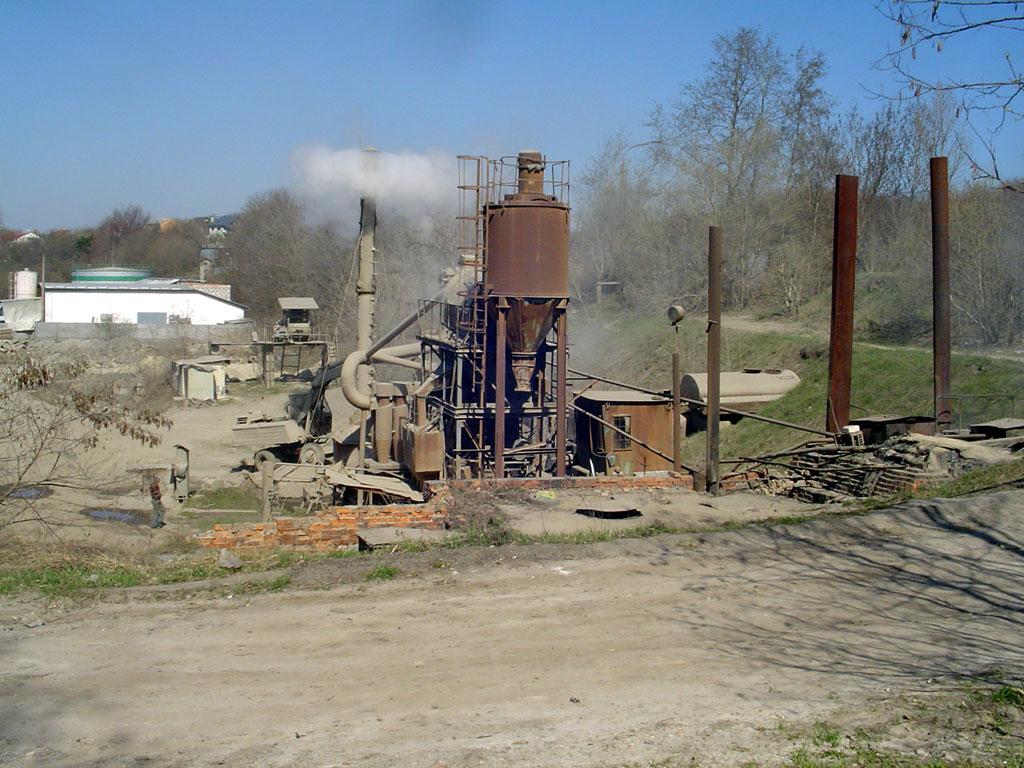 Lysynychi - asphalt factory