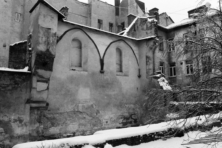 Lviv (Lwow, Lemberg), remains of the 'Golden Rose' Synagogue, January 2013