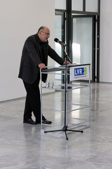 Exhibition opening, Cologne, September 17, 2014. Edgar Hauster speaking. Photo: Ingo Breuer