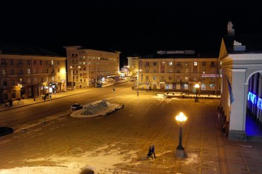 Rivne - empty square on New Year's Eve