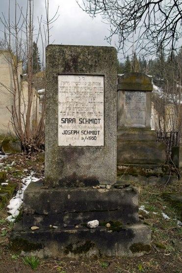 Gura Humorului - Jewish Cemetery - tomb of Sars Schmidt