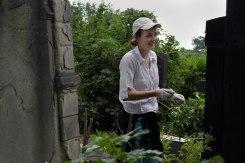 Volunteers of SVIT Ukraine clearing the Jewish cemetery of Czernowitz