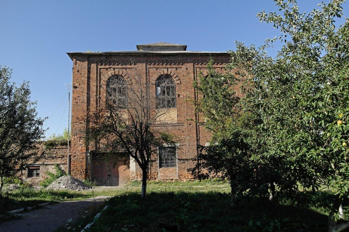 Uhniv synagogue