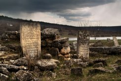 Vadul-Raşcov Jewish cemetery in March 2016