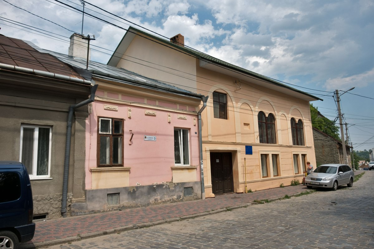 Chernivtsi (Czernowitz) - synagogue in the old Jewish quarter