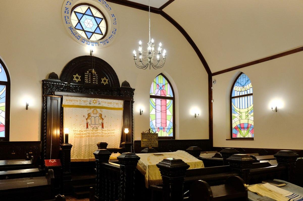 Berehove - active synagogue