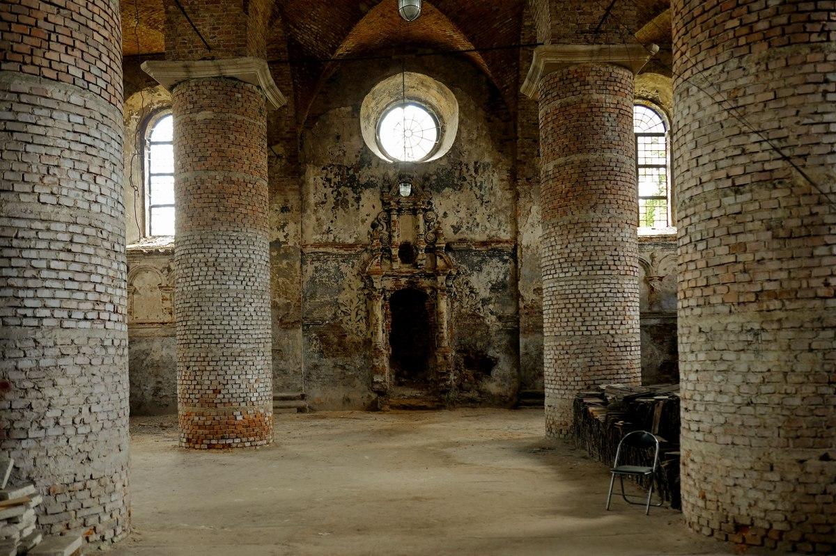 Zhovkva synagogue