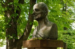 Monument for psychoanalyst and writer Manes Sperber in Zabolotiv