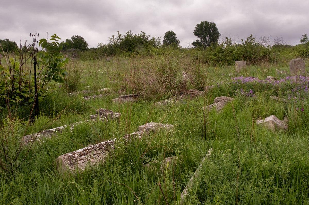 Bălţi Jewish cemetery