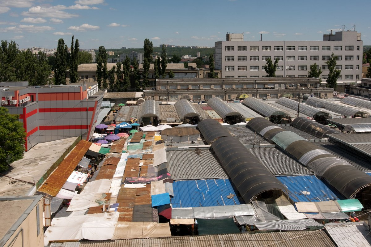 Chişinău - market, view from my hotel window