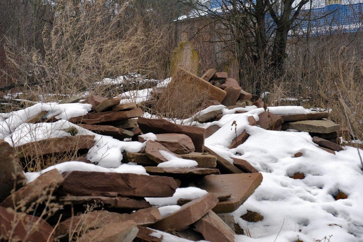 Chortkiv - new Jewish cemetery