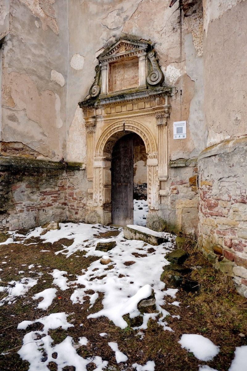 Yazlovets - Catholic church