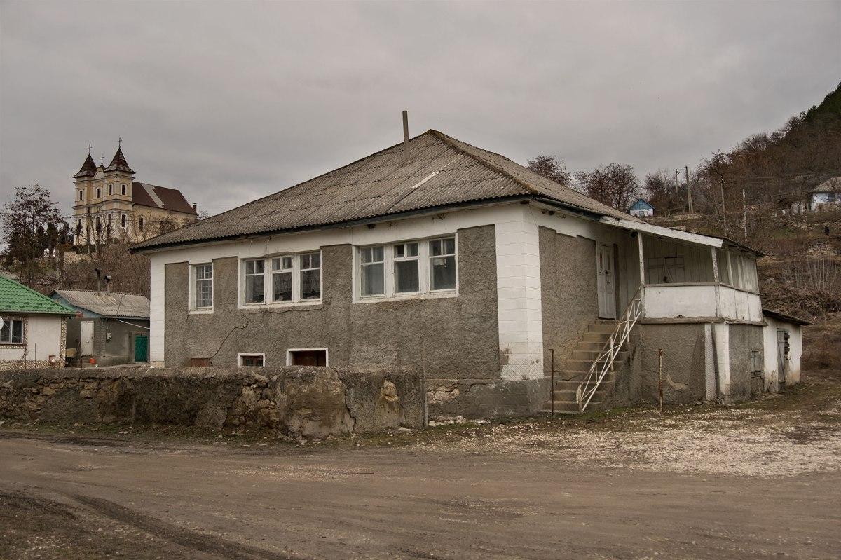 Raşcov Hasidic court - former Kloyz