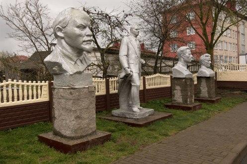 Iwye - Soviet monuments