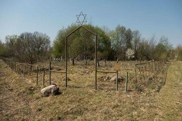 Lunno Jewish cemetery