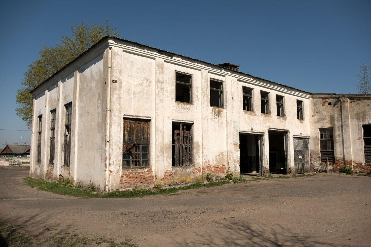 Pruzhany - former synagogue