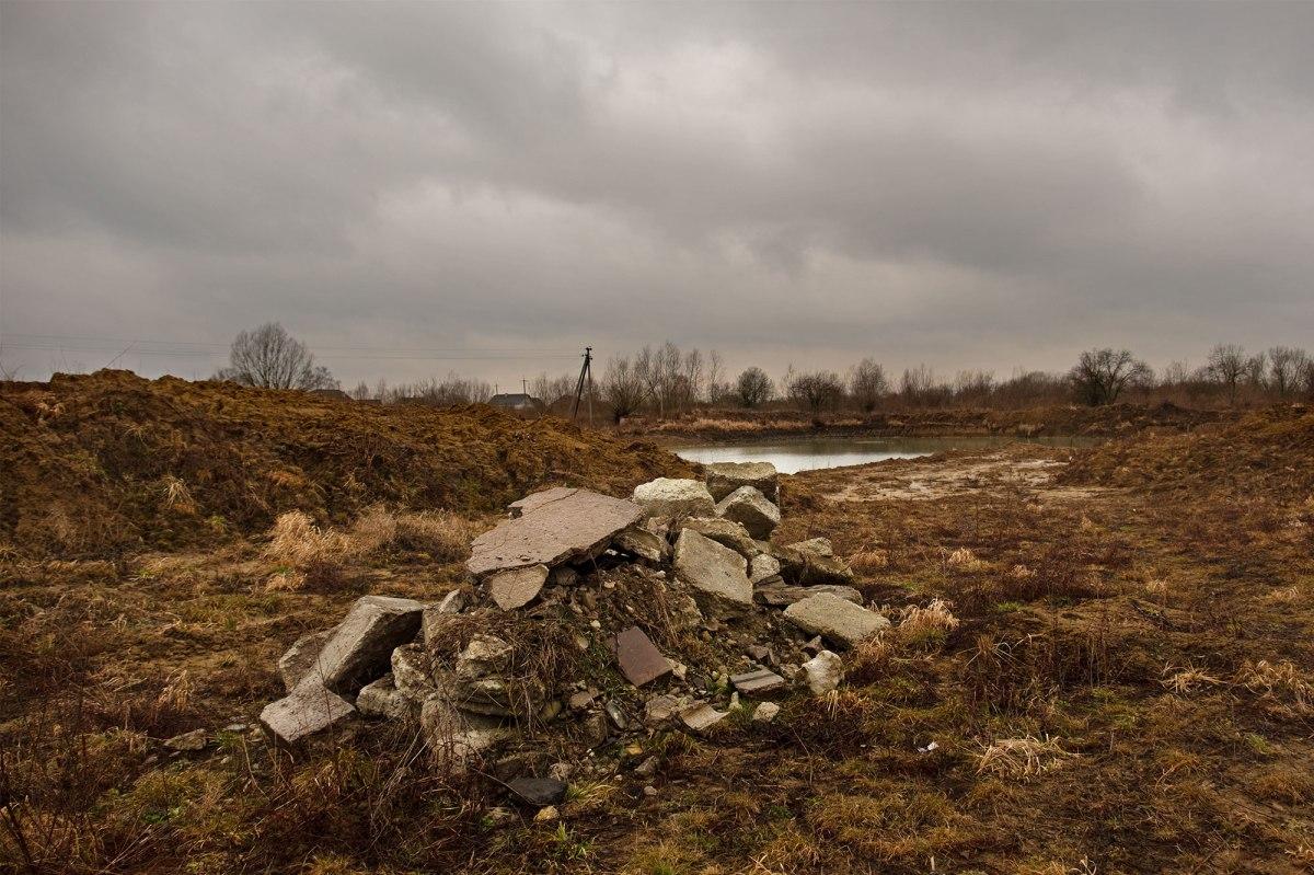Medenychi - mass grave site